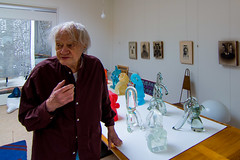 _DSC6981 (durr-architect) Tags: jan snoeck sculptor visit atelier painting sculpture carpet art indoor colourful blue red yellow green museum janvandertogt togt amstelveen exhibition opening vernissage glass works