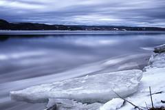 Départ des glaces sur le Saguenay (gaudreaultnormand) Tags: canada chicoutimi leverdesoleil quebec rivièrechicoutimi saguenay sunrise eau neige paysage longueexposition longexposure