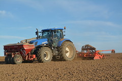 New Holland T7.260 with a Kverneland Accord Pneumatic DF2 Seed Drill & Power Harrow (Shane Casey CK25) Tags: new holland t7260 kverneland accord pneumatic df2 seed drill power harrow sow sowing set setting drilling tillage till tilling plant planting crop crops cereal cereals county cork ireland irish farm farmer farming agri agriculture contractor field ground soil dirt earth dust work working horse horsepower hp pull pulling machine machinery grow growing nikon d7100 t7 260 cnh newholland blue kinsale