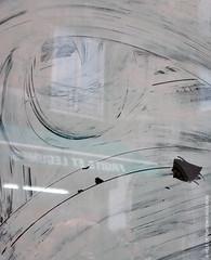 En travaux ! (Fontenay-sous-Bois Officiel FRANCE) Tags: fontenay fontenaysousbois regionparisienne valdemarne iledefrance 94 94120 fsb france canon canong1x outside extérieur street rue vitrine reflet reflect reflection white blanc travaux peinture