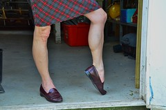 DSC_0147jj (ARDENT PHOTOGRAPHER) Tags: muscular flexing calves granny grannies skinnywomen highheels biceps