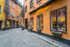 Gamla Stan. (bgfotologue) Tags: 2017 500px a72 bgphoto color europe freeze gamlastan ice image imaging landscape medievalcity north oldtown photo photography stockholm sweden tourist travel tumblr winter bellphoto colorful österlånggatan 冬 北歐 城島 大廣場 攝影 斯德哥爾摩 旅行 旅遊 橋間之城 歐洲 瑞典 老城 老城區 色彩 風光 風景