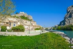 Sisteron, la Perle de la Haute Provence ... (Pascal Duvet) Tags: sisteron perle provence durance rocher baume citadelle vue paysage panorama alpes haute 04 pascal duvet