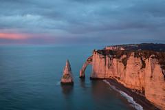 Falaises d'Étretat au printemps, Normandie, France (boooHguy) Tags: paysages mer sunset sea normandie étretat etretat coucher