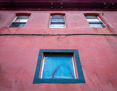 Pink and Blue (Darren LoPrinzi) Tags: 5d canon5d philadelphia philly canon miii architecture windows pink blue pinkblue lookingup city urban building home paint texture urbanexploration