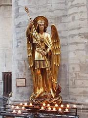 Erzengel Michael (1elf12) Tags: erzengel archangel michael engel angel kathedrale cathedral stmichel stgudule brüssel brussels belgium belgien