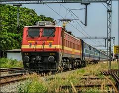 56382 Kayankulam-Ernakulam passenger.. (Gautham Karthik) Tags: train indianrailways electriclocomotive wap4 passengertrain trainspotting alleppey kerala india