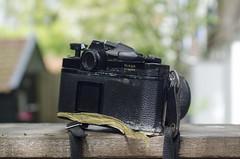 Nikon FM Seal (Arne Kuilman) Tags: koningsdag nikon nikkor finds lens camera nikonfm problem probleem tape seal dirty diy fix tlc dropped drop sigma sigmazoomlens find gevonden ニコン