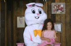 Kids Visit Easter Bunny at LuLu's 2017-6a