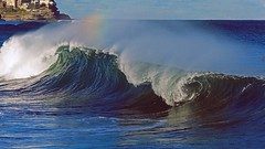 IMG_6992 Waves and rainbow (Rodolfo Frino) Tags: waves rainbow sunny seascape sea ocean mar mer oceano water agua breaking fury energy power powerful breakingwaves wave air wind windy arcoiris