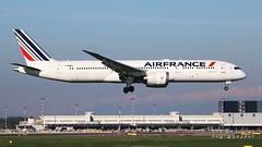F-HRBA Air France Boeing 787-9 Dreamliner (Nick Air Aviation Photography) Tags: img1885 fhrbaairfranceboeing7879dreamliner aviationphotography travelling travel flight airport planespotting milanomalpensa milanmxp nickairphotography airfrance landing airportview runway35r 948