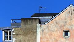(MAGGY L) Tags: dmcfz200 toits ciel fenêtres géométrie géométrique murs wall antennes