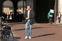 Museumplein - Amsterdam (Netherlands) (Meteorry) Tags: europe nederland netherlands holland paysbas noordholland amsterdam amsterdampeople candid zuid sud south museumkwartier museumplein rijksmuseum man homme guy male boy teen twink jeans sneakers trainers baskets skets nike dutch afternoon apresmidi march 2017 meteorry