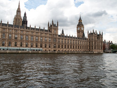 Palace of Westminster / Houses of Parliament (Fotorob) Tags: verenigdkoninkrijk engeland bootreizen greaterlondon bestuurrechtoverhgeb travel architecture landbestuursgebouw barrycharles bestuursgebouwenonderdl gotisch stijl england architectura architectuur londonboroughofwestminster