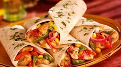 CHICKEN FAJITAS (OcioCompartido) Tags: food chicken dinner bread lunch flat wrap meat mexican snack meal takeout spicy takeaway hispanic flour savoury tortilla tabletop fajitas filling