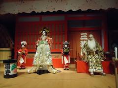 Agemaki and her Kamuro (toranosuke) Tags: kabuki edotokyomuseum 歌舞伎 oiran 江戸東京博物館 ikkyu sukeroku 一休 kamuro 禿 助六 花魁 agemaki 揚巻