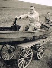 Where is the Sea got to? (TrueVintage) Tags: man fun boot boat 1930s oldphoto mann woodenboat karren past foundphoto 1939 spass barrow vergangenheit vintagephoto holzboot holzkarren woodenbarrow vintagefun