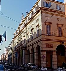Modena: Opera Pavarotti (sandromars) Tags: italy opera er dedicated modena pavarotti