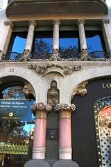 Architecture details and columns of Casa Lle Morera - Art Nouveau in Barcelona (Sokleine) Tags: barcelona architecture spain details columns modernism catalonia espana artnouveau espagne unescoworldheritage barcelone colonnes catalogne domenechymontaner casallemorera