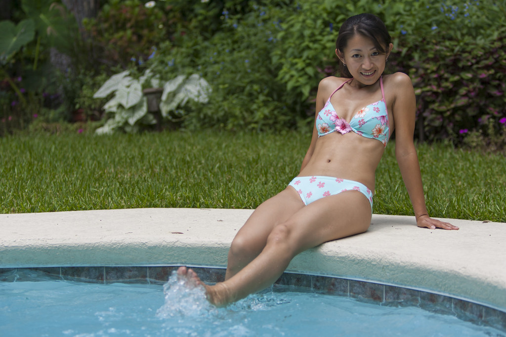 Amateur bikini model pictures