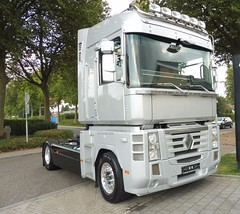 Renault Magnum 520 (Vehicle Tim) Tags: renault magnum lkw truck fahrzeug sattelzugmaschine szm semitrailertruck semi semitruck lorry