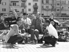 capoeira (Nikos Karatolos) Tags: thessaloniki greece street artists art outdoors daylight people music dance streetphotography samyang 50mm f12