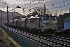 251 (firedmanager) Tags: renfe renfeoperadora railtransport ferrocarril freighttrain mitsubishi tren train 251 trena locomotora locomotive