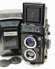 Photo of A recently serviced Yashica Mat-124 G in lovely condition, with case and lens cap for �299.  #film #filmphotography #thefilmcommunity #analog #analogue #analogphotography #analogfilm #120 #120mmfilm #120mm #mediumformat #mediumformatfilm #yashica #yashica