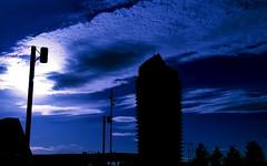 Hora azul (portalealba) Tags: zaragoza zaragozaparque azul torre aragon españa spain portalealba pentax pentaxk50 nwn nubes cielo