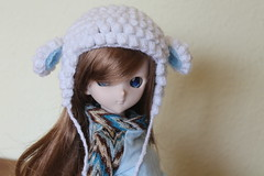 New girl at home. She needs makeup, but she is very sweet. (Ninotpetrificat) Tags: dollfiedream dollfie dd mdd ddh10 handmade crochet hat doll japantoy japandoll toys dollclothes hobby hechoamano muñeca juguete cute kawaii