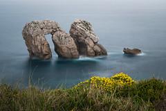 Urro del Manzano (Roberto_48) Tags: urros liencres santander cantabria mar oceano cantabrico larga diurna exposicion