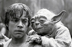 Yoda in Luke's backpack (Tom Simpson) Tags: starwars theempirestrikesback empirestrikesback behindthescenes film movie vintage markhamill lukeskywalker dagobah set yoda