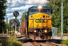 CSX 7392 South...Wait...? (Wheelnrail) Tags: csx ns norfolk southern traain trins locomotive ge c408w railroad rail road raisl milford junction signal cpl pl prr signals classic indiana in