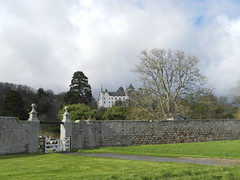 Dunrobin Castle, Golspie, Suterland, Easter Saturday April 2017 (allanmaciver) Tags: dunrobin castle golspie sutherland east coast scotland wall solid chateau french style architecture earl duke duchess trees clouds light weather april showers allanmaciver