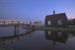Beautiful Morning in Zaanse Schans - Windmill Village - Niederland (Light Levels Photoworks) Tags: zaanse schans windmill village moulin nederland holland hollande niederland architecture architektur amsterdam landscape landschaft paysage hauser haus dämmerung water wasser nacht kanal beleuchtung blue blaue bridge brücke before d750 dusk dust hdr nebel brouillard wetter perspectives light lights night nightshot nikon licht time nikond750 lichter lzb morning hour photo photography river reflexion stunde spiegelung twillight view travel world wideangle sweet fluss sonnenuntergang europe europa sunlight romantic romantik dorf windmühle