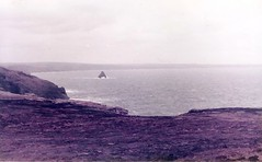 (sftrajan) Tags: england coast cornwall unitedkingdom britain cliffs 1983 atlanticocean tintagel atlanticcoast