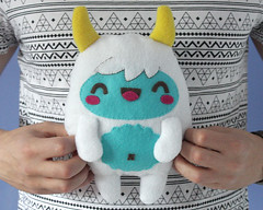 Yeti Monster Plush Softie Tutorial (theCraftIdeas) Tags: craft tricks tips tutorials thecraftideascom