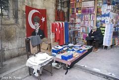 VENEDOR SENSE SORT (Estambul, abril de 2013) (perfectdayjosep) Tags: turkey ataturk books istanbul libros bookshop livre turquia estambul turqua grandbazaar llibres granbasar kapaliarsi perfectdayjosep explorerperfectdayjosep