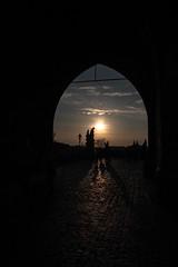 Pont Charles (Melvinia_) Tags: street city bridge sunset urban black backlight canon soleil shadows prague coucher charles pont czechrepublic 1855mm f11 ville contrejour rpubliquetchque ombres karluvmost 18mm canoneos450d digitalrebelxsi