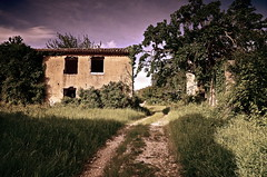 VRNJAK / VERGNACCO (crux_desperationis) Tags: town ghost croatia case croazia istria hrvatska istra paese paesino abbandonato vrnjak vergnacco sventrate