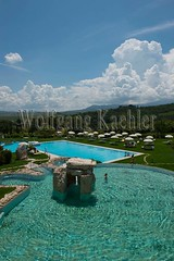 40074654 (wolfgangkaehler) Tags: italy italian europe european resort swimmingpool tuscany pienza thermalpool valdorcia thermalbaths tuscan bagnovignoni spatown resorthotel thermalsprings sanquirico resortandspa adlerthermaesparelaxresort vision:mountain=0613 vision:sky=0766 vision:outdoor=0977