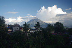Mayon Volcano, Legazpi, Albay Province, Bicol, Philippines (ARNAUD_Z_VOYAGE) Tags: islands island philippines landscape boat sea southeast asia city people amazing asian street architecture river tourist capital town municipality filipino filipina action colors mountain mountains panay trycicle province beach beaches white sand turquoise nature coral reefs limestone cliffs davao mindanao church legazpi albay bicol