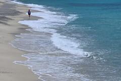 [ Armoniche in controfase - Counterphase harmonics ] DSC_0681.2.jinkoll (jinkoll) Tags: man walk walking street sea waves blue water sand beach passing alone solitude loneliness tropea calabria foam