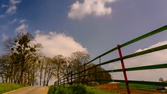 The green fence (Yasmine Hens +4 800 000 thx❀) Tags: fence fences hff nature natural namur belgium belgique be sky bluesky clouds leica leicaq hensyasmine
