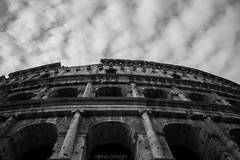 Colosseo (Elena Ortega Sánchez) Tags: colosseo roma italia coliseo byn bw palatino romaantica imperioromano romano