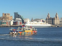 Razor dazzle Mersey ferry and fred Olson cruise liner bodacia (alex kerr photography) Tags: razzledazzleferry ship cruiseliners liverbuilding 3graces liverpool seacombeferry rivermersey bodacia fredolsonlines merseyferry merseytravel merseyside