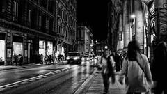 IMG_0426 (mazzottaalessandra) Tags: urban city life street monocromo bianco nero black white contrasto contrast people persone movimento move edifici architettura architecture luce luci light night sera notte roma capital italy camminare camminando walking