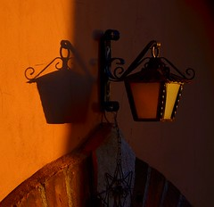playing with light (robra shotography []O]) Tags: lampada light ombra lamp muro luce shadow wall square