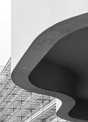 Richard Meier. MACBA #19 (Ximo Michavila) Tags: richardmeier macba ximomichavila architecture archdaily archiref archidose blackwhite graphic grey monochromatic lines barcelona cataluña spain city urban museum art modern building culture
