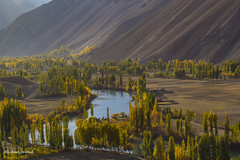 Phandar lake, Ghizar Valley @ Gilgit - Pakistan (LubnaJavaid) Tags: phandar lake ghizar ghizer valley yellow autumn water mountain green blue pakistan gilgit